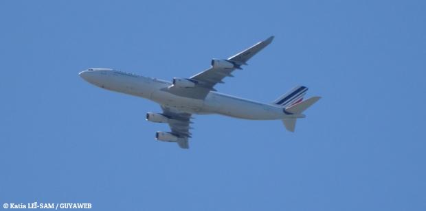 Un présumé passager clandestin dans un avion ralliant les Antilles à la Guyane placé en hospitalisation d'office