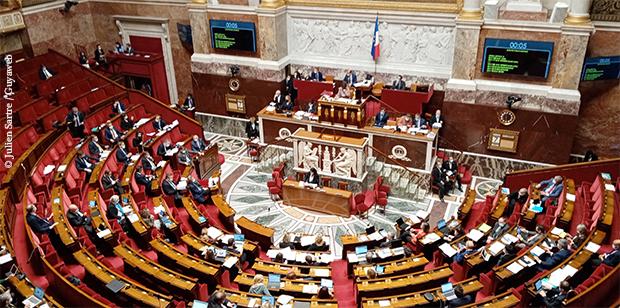 Les députés votent la réforme du Code minier