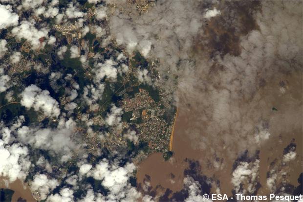 La ville de Rémire-Montjoly en Guyane a été un de ses clins d'oeil avec une photo prise depuis la fenêtre d'observation panoramique, la Cupola.